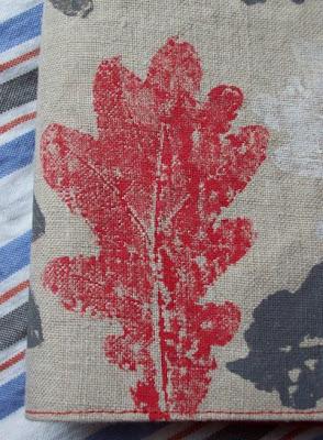 Abdruck Eichenblatt rot