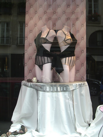 Chantal Thomas window display Paris