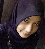 http://4.bp.blogspot.com/_ciPCtyxJrsE/SYcSZrDcZtI/AAAAAAAAOlo/C8Pgc_ko72U/s200/moslem-cloth-jilbab-sholihah-07.jpg