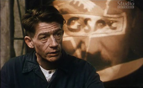 a look at the character of winston smith in 1984 by george orwell George orwell 1984 essay in: another english man george orwell writes one of the scariest winston smith is the main character who suddenly feels.