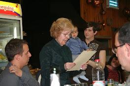 Aqui estoy recitando una poesía en el bautizo de mi nieto Joel