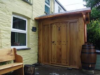 Ty Cariad oak porch
