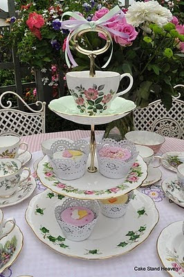 summer cake stand