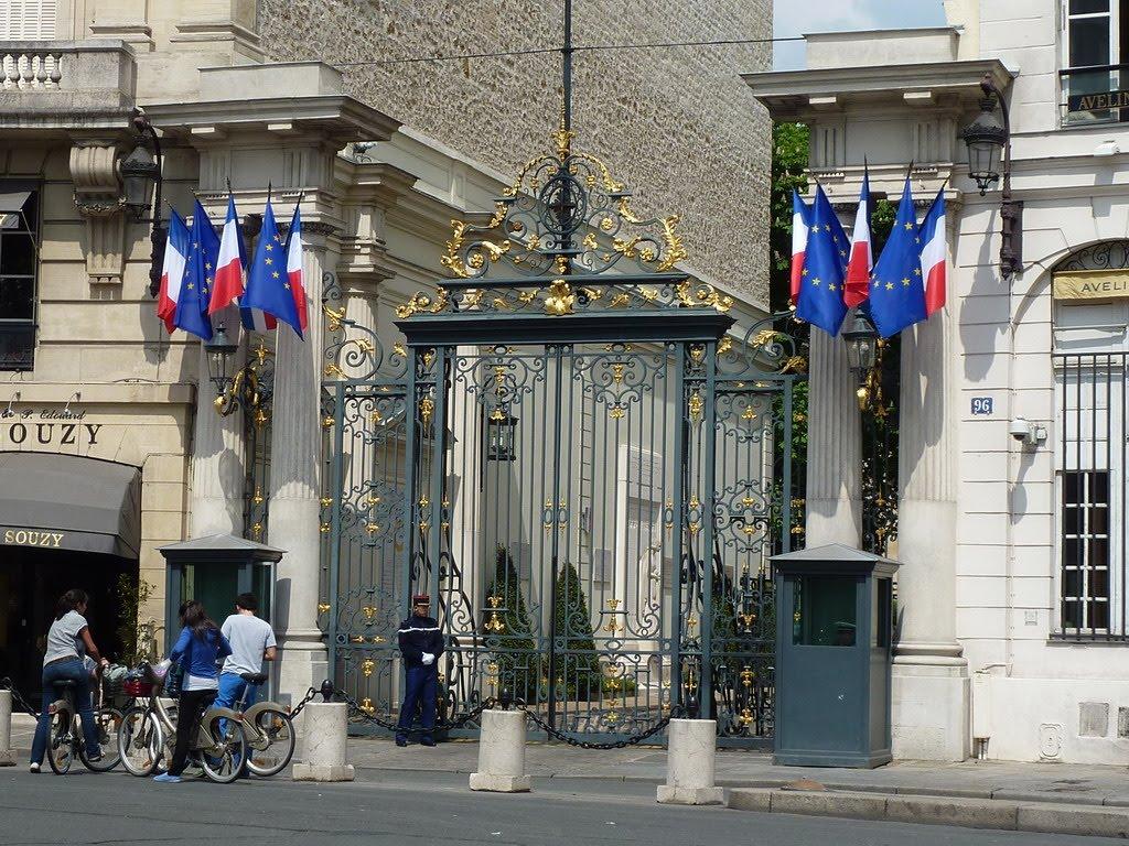 http://4.bp.blogspot.com/_ckSCJogzGvw/S-m8yeurGDI/AAAAAAAAFtY/AcEes7Orvh0/s1600/Paris15mai10.jpg