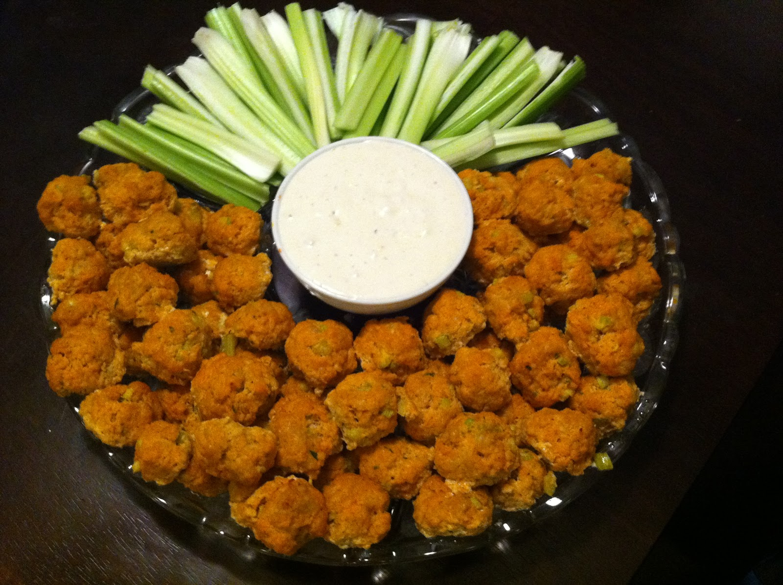 Mini Spicy Buffalo Chicken Balls With Blue Cheese And Hot Sauce ...