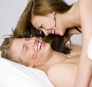 http://4.bp.blogspot.com/_cmgPTvpqLRQ/TSApEv1mJ9I/AAAAAAAAC6g/nCg4AwoEnJY/s320/couple-dlm.jpg