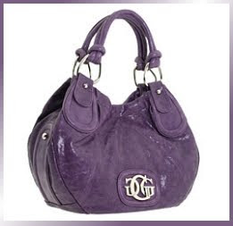 Designer's House: Be the Big Apple of Fashion with this GUESS New York Small Tote