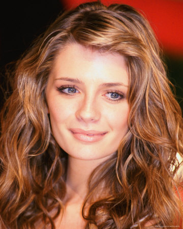 Mischa Barton hairstyle picture gallery for 2010, 2011