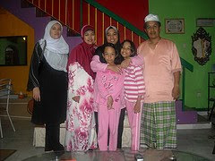 yusree n family shah alam