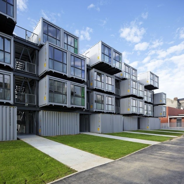 Cite a docks student housing by cattani for Metal piers for housing