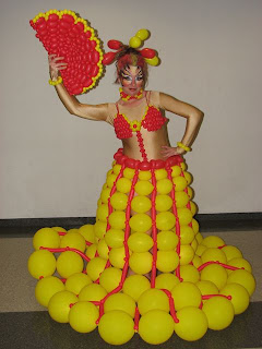balloon fashion show competition