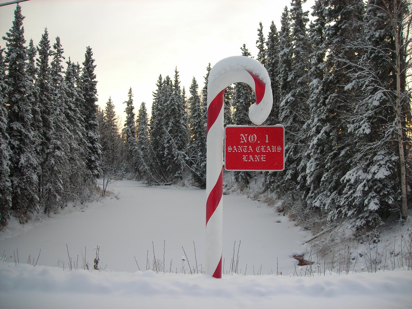 santa claus and the north pole alaska - Santa And The North Pole
