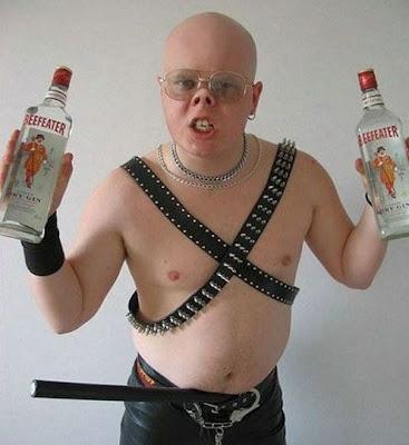 http://4.bp.blogspot.com/_crPBCZok0RE/SgwxQBe9ihI/AAAAAAAADBU/OxhlWQSrMkY/s400/funny-hilarious-ugly-people32.jpg