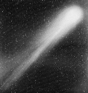 halleys comet arrives essay In 1682 he predicted the comet would return again in 1758, and sure enough, the  comet arrived in march 1759 halley's comet made a.