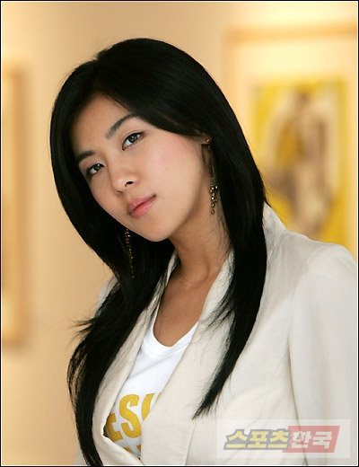 Ji-won Ha - Photo Gallery
