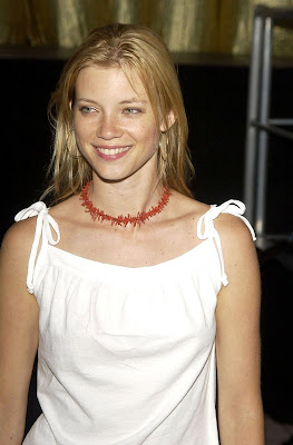 Amy Smart sexy picture