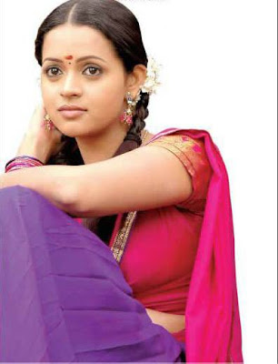 kollywood-tollywood-tamil-telugu-mallu-hot-sexy-indian-desi-actress-bhavana-bavana-saree-blouse-bra