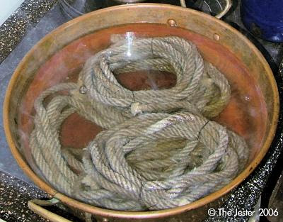 Traditionelles Seilkochen – in der Waschmaschine geht es einfacher