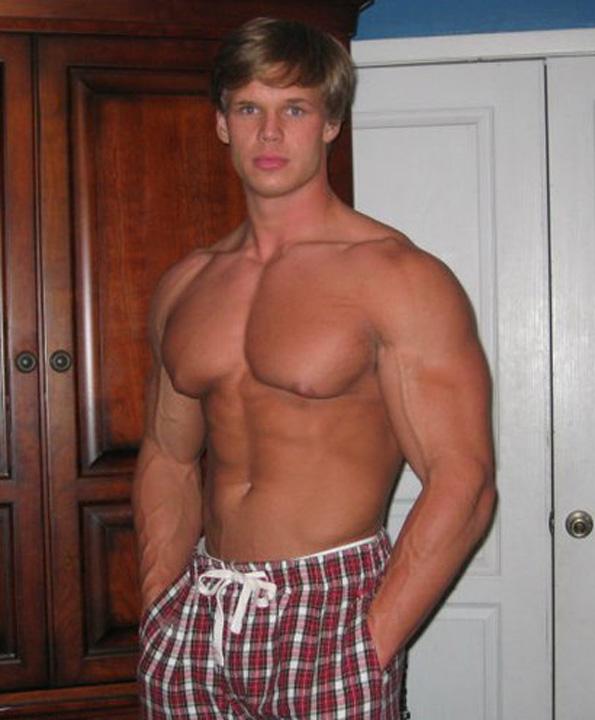 Import Me Plox: Steven Webb: The Blond Bodybuilder