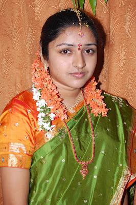 http://4.bp.blogspot.com/_cwKaU9zj4lo/TEsGHU7F3wI/AAAAAAAAIpA/GC5pppTS-vc/s1600/Saritha9.jpg