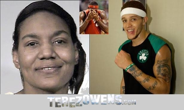 lebron james mom sleeps with teammate delonte west. teammate Delonte West is