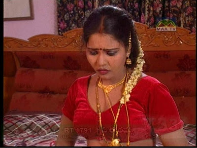 Mallu Aunty First Night http://actressbluefilm.blogspot.com/2010/07/mallu-aunty-first-night-exposure-in-bed.html