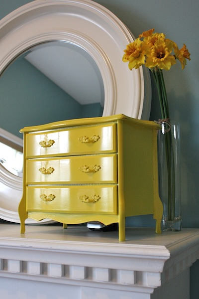 Jewelry box makeover all things beautiful for Old jewelry box makeover