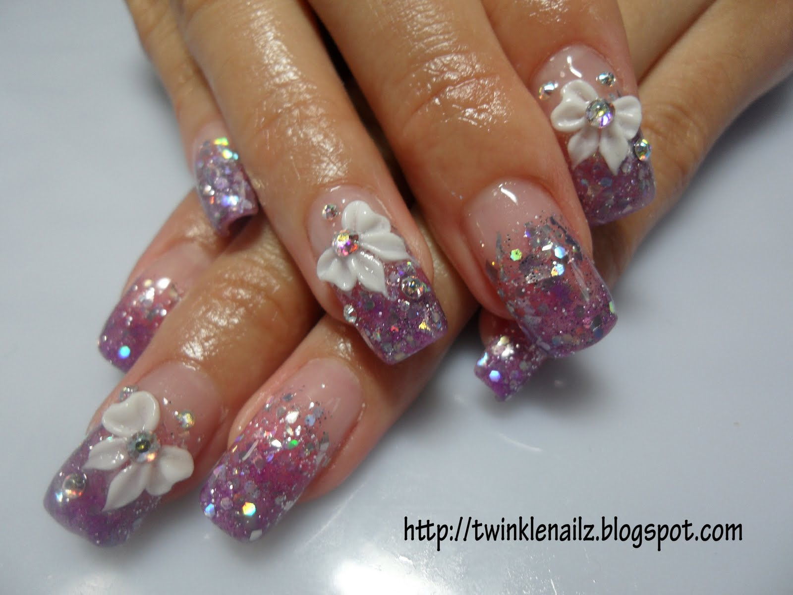 Twinkle Nailz: April 2010