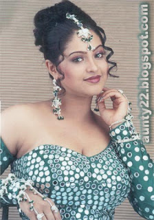 Hot Actress Raasi