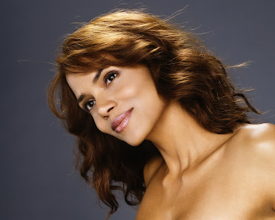 Halle Berry in Beautiful Fashion Model Photo Shoot Session