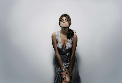 Eva Mendes in Charming Fashion Model Photoshoot Session