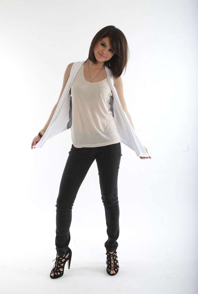 selena gomez outfits for sale. her hotel You like tisdale tinseltown tots Selena+gomez+outfits+casual