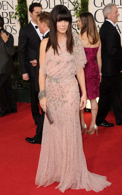 Sandra Bullock showed off new hairstyle at 2011 Golden Globe Awards