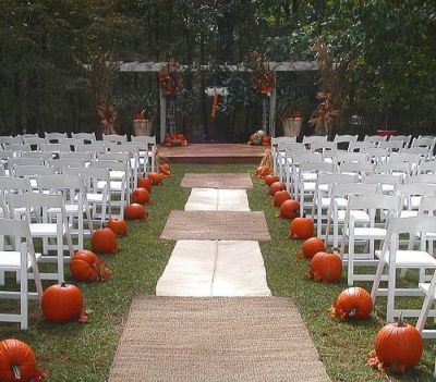 Pumpkin Wedding Centerpieces on Wedding Dazed  The Great Pumpkin Wedding
