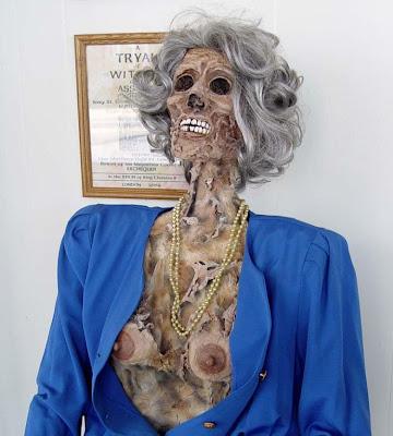 horror 17 Boneka boneka Ngeri