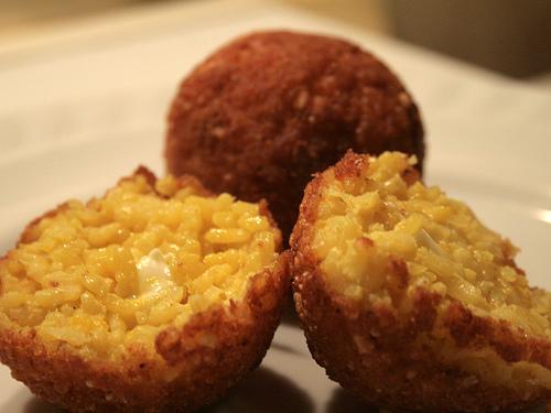 Aglio, Olio e Peperoncino: Palle di Riso ~ Fried Rice Balls