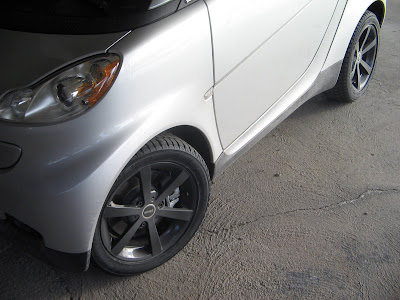 Smart 451 with Black Rims