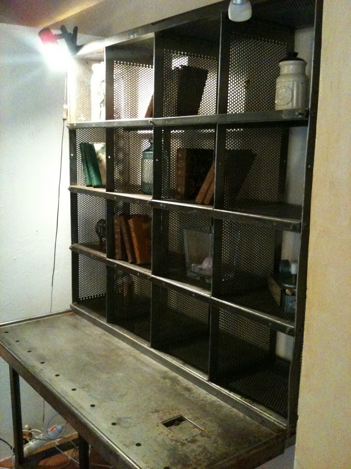 bureau de tri postal atelier industriel. Black Bedroom Furniture Sets. Home Design Ideas