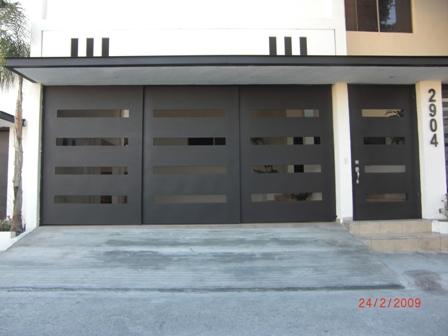 Herreria sil portones for Fachadas de casas modernas con zaguan