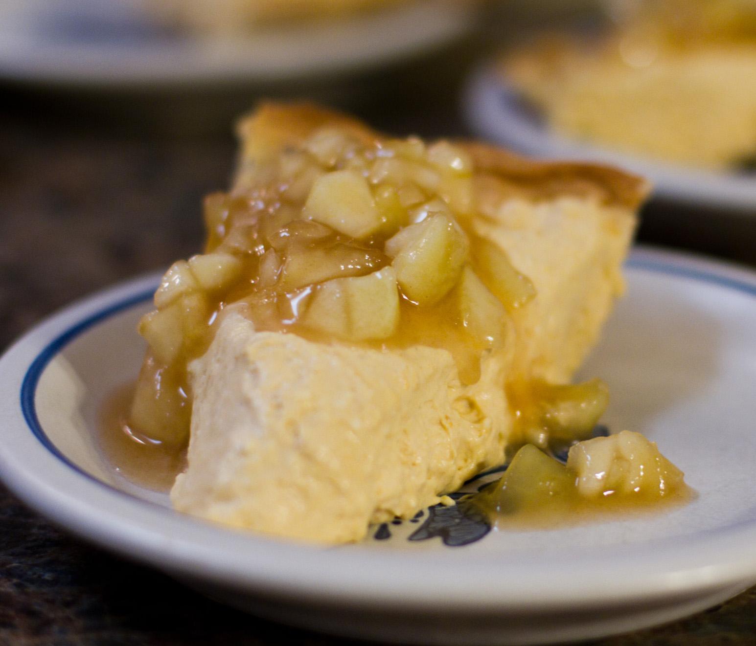 apple pumpkin cheesecake pie