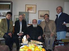 هوشنگ ابتهاج (ه. الف. سایه )  نشسته در وسط کنار استاد قهرمان