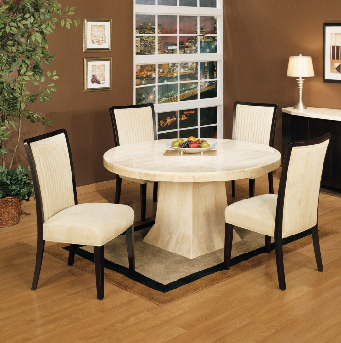 Dwellers without decorators 5 area rug rules you need to for Dining table area rug size