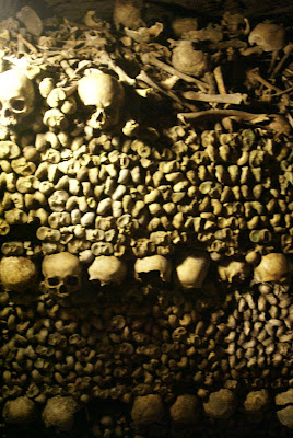 [Paris+catacombs+(9).JPG]