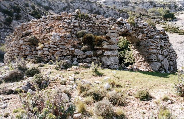 Nevera font del Noguer  Serrella