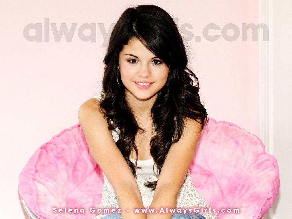 http://4.bp.blogspot.com/_d3zbAE7xhYA/TMDwQIhEr0I/AAAAAAAAAAc/YzpVh2Wfe3Y/s1600/selena_gomez04.jpg