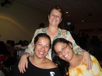 Mãe e Filhas(Eu ,Amanda e Fernanda).