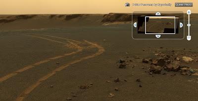 Des vues panoramiques de la planète Mars