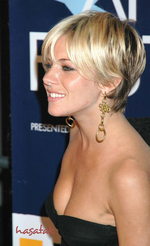 From 2000 onwards until early 2006, fringe haircuts altogether disappeared