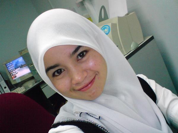 [Gadis-Melayu-Malaysia-1.jpg]