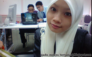 Aksi Student IPT Bertudung di Malaysia